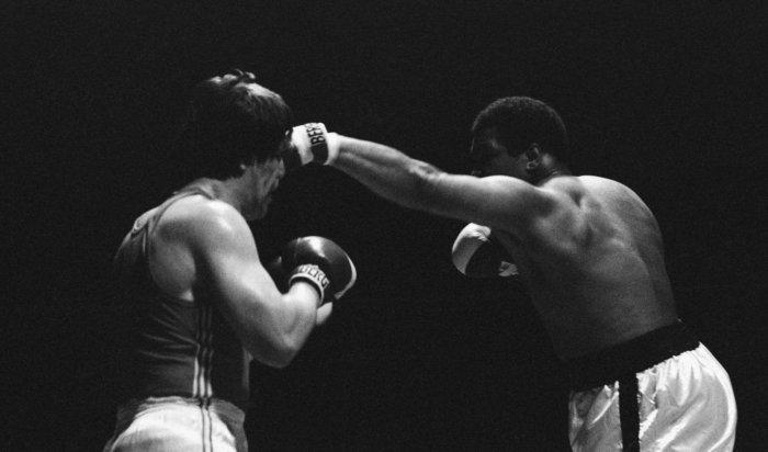 Боксерские перчатки Мохаммеда Али выставят нааукцион