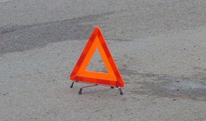 В Бодайбинском районе перевернулся грузовик. Погибла 46-летняя женщина