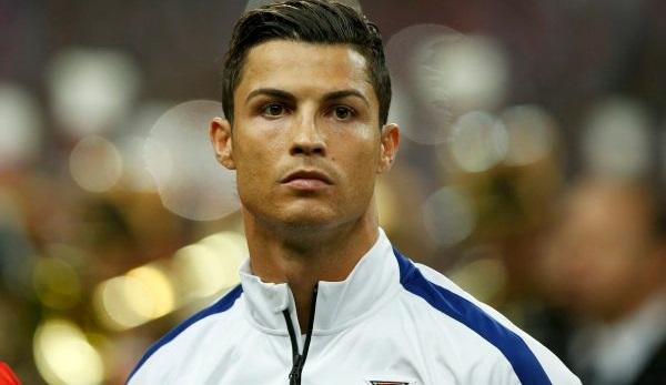 Роналду перечислил деньги за победу на Евро больным раком детям