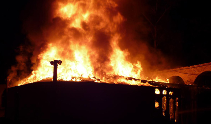 Ночью вАнгарске сгорело летнее кафе «Юрта»