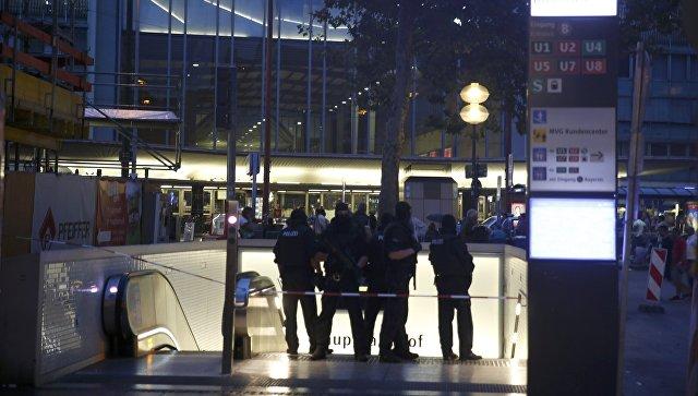 В Мюнхене в торговом центре 18-летний выходец из Ирана устроил стрельбу. Погибли 10 человек