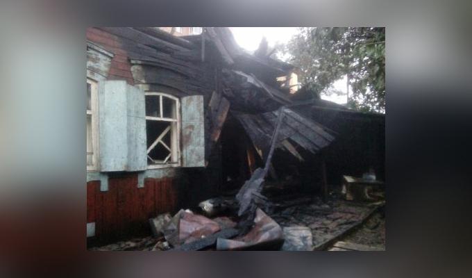 Женщина и две 13-летние девочки пострадали на пожаре в Иркутске
