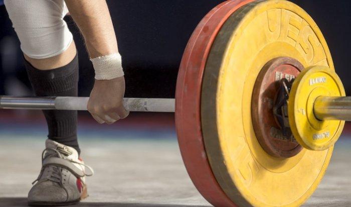 Российских тяжелоатлетов отстранили отОлимпиады вРио
