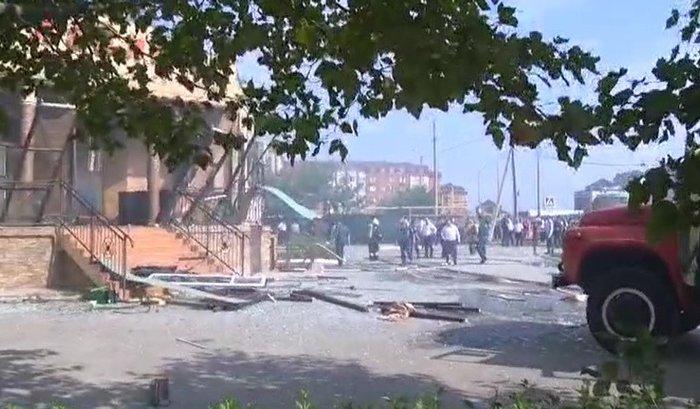 При взрыве вресторане Махачкалы пострадали 28человек