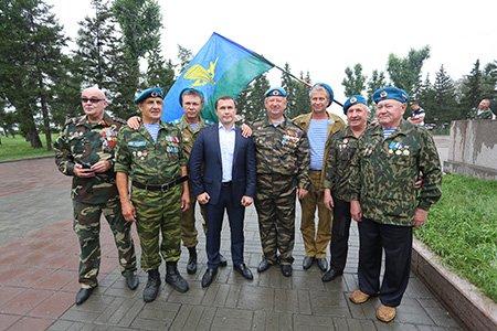 В Иркутске прошел митинг в честь Дня Воздушно-десантных войск