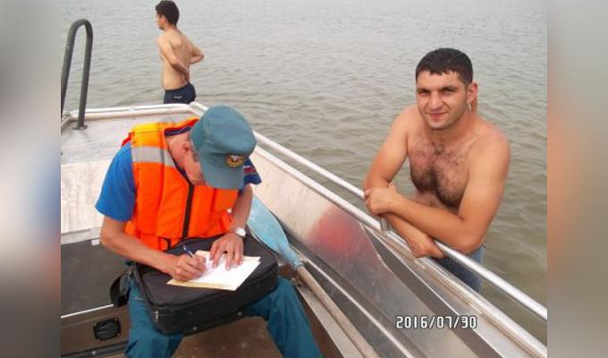 На Братском водохранилище спасены двое молодых людей, дрейфовавших на надувном матрасе