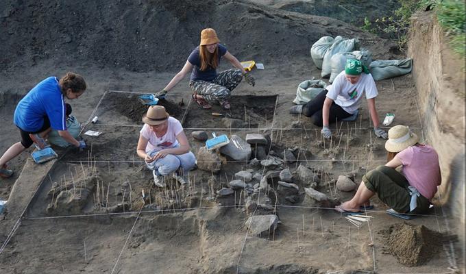 Археологи ИГУ обнаружили в Тункинской долине уникальное средневековое захоронение