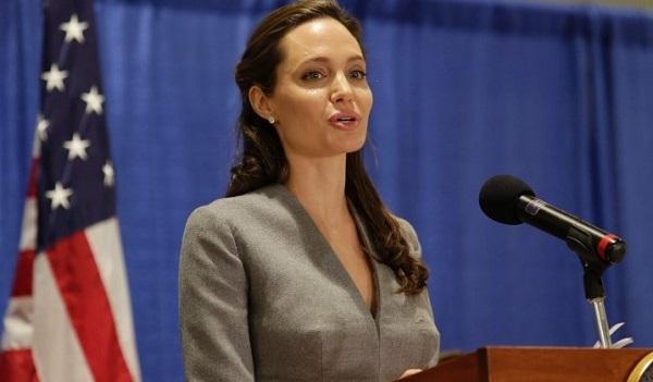 Анджелина Джоли станет преподавать вуниверситете