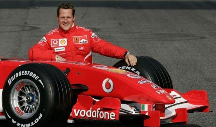 Экс-глава Ferrari: «Шумахер реагирует налечение»