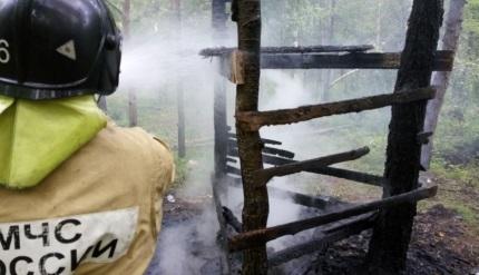 В Братске два ребенка сгорели в шалаше