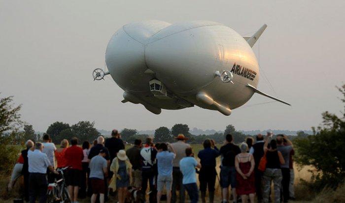 ВБритании испытали самое большое вмире воздушное судно