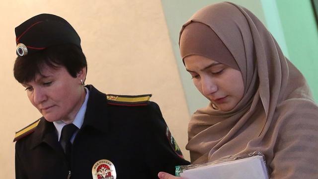 ВМоскве студентка заплатит 400тысяч рублей запубликацию флага ИГИЛ