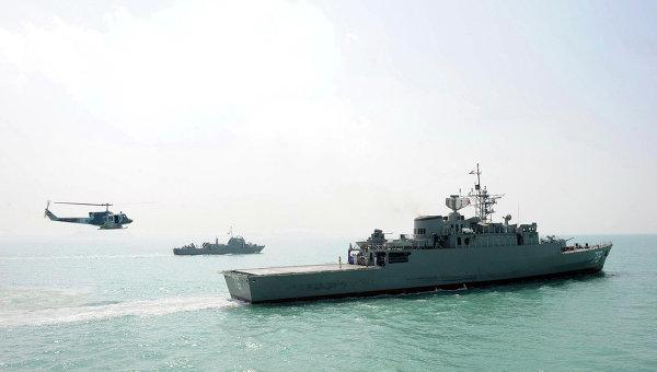 Иранские военные катера опасно сблизились сэсминцем США