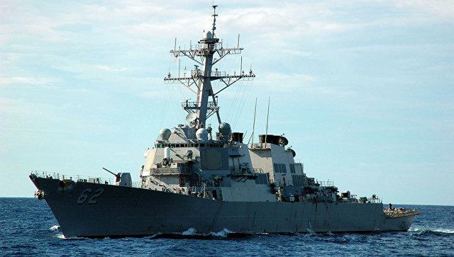 Корабль ВМС США открыл огонь из-за приближения иранского катера
