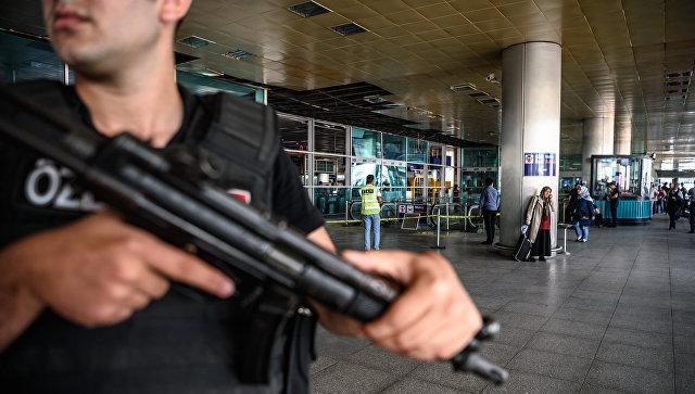 Неизвестные обстреляли ракетами аэропорт в Турции