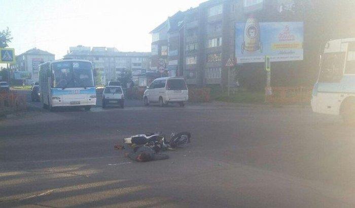 В Ангарске мотоциклист столкнулся с пассажирским автобусом № 3