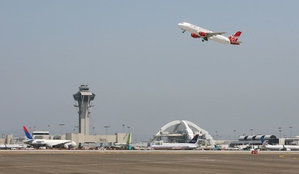 Вмеждународном аэропорту Лос-Анджелеса произошла стрельба