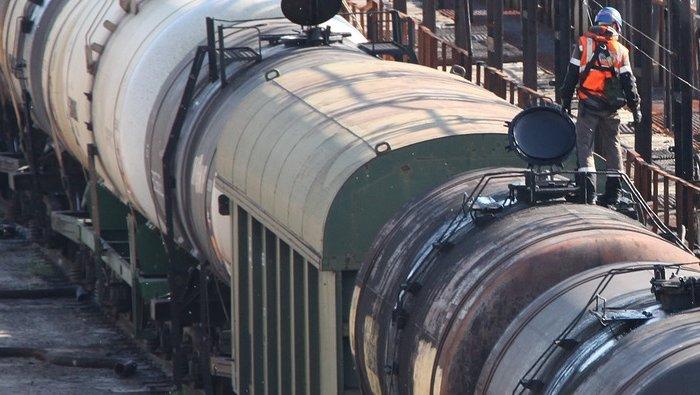 Глава «Роснефти» уволил директора АНХК захищение топлива на предприятии
