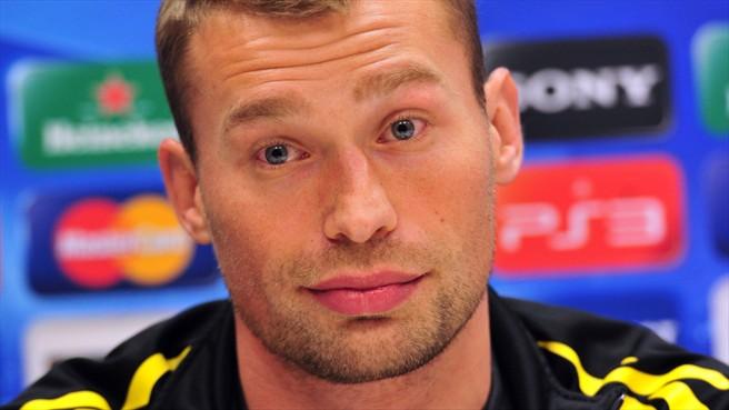 Березуцкий временно станет капитаном сборной России пофутболу