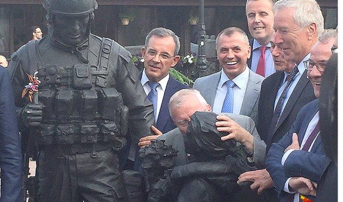 НаУкраине завели дело против посетивших Крым французских депутатов
