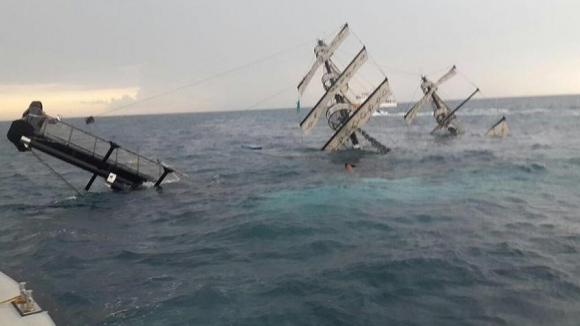 Упобережья Антальи потерпело крушение туристическое судно