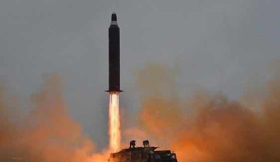 Северная Корея осуществила новый запуск трех баллистических ракет