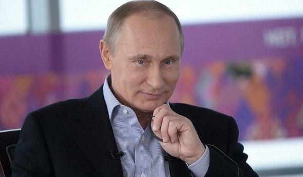 Путин рассказал отом, чем занимаются его дочери