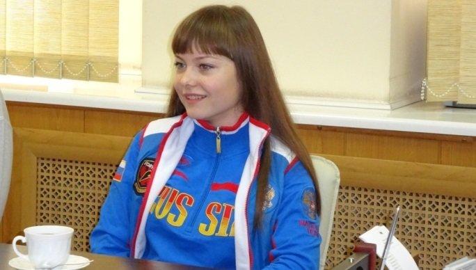 16-летняя иркутянка установила рекорд Европы по приседанию со штангой