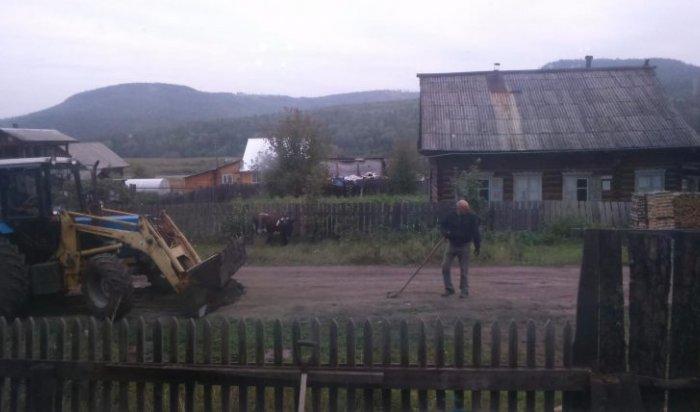 В Усть-Куте житель отремонтировал за свой счет 800 метров дороги