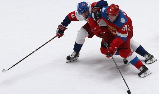Сборная России похоккею обыграла команду Чехии ввыставочном матче
