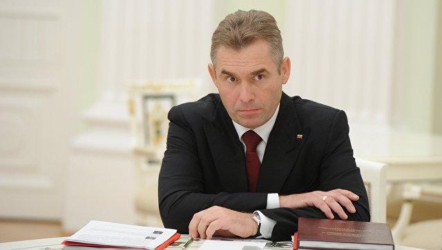 Путин уволил Астахова споста детского омбудсмена
