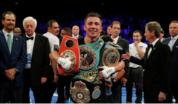 Боксер Геннадий Головкин защитил три титула чемпиона мира