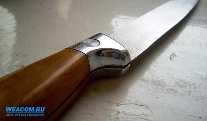 В Братске мужчина с ножом напал на сотрудников больницы № 3