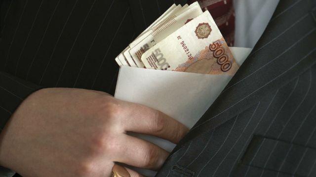 НаКамчатке глава антикоррупционного отдела МВД попался навзятке