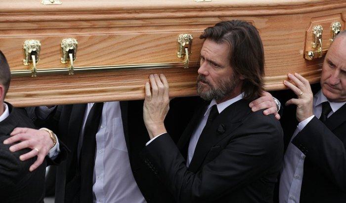 Джима Керри обвиняют в причастности к смерти бывшей девушки