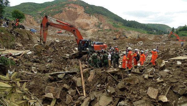 После схода оползня иселевого потока вКитае пропали 26человек