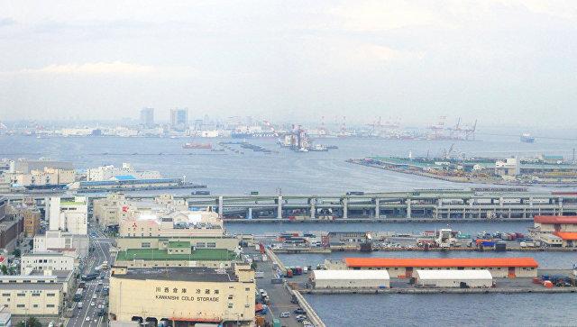Уберегов Японии тонет танкер седкой щелочью