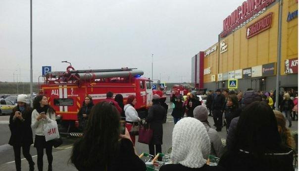 ВИркутске посетителей ТЦ«Комсомолл» экстренно эвакуировали