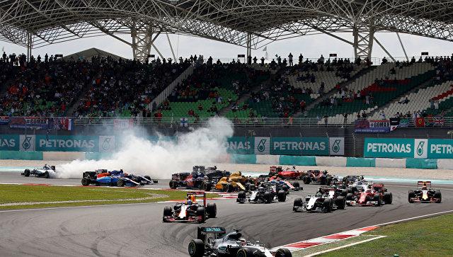 Пилот «Ред Булла» Даниэль Риккьярдо выиграл Гран-при Малайзии