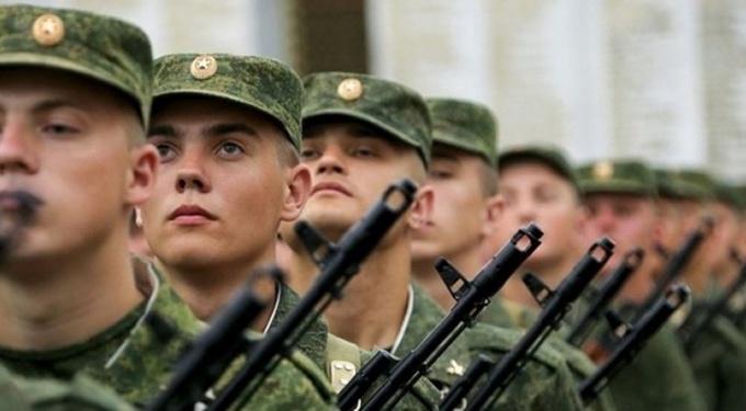 В Ленинском и Свердловском округах Иркутска на военную службу призовут более 370 человек