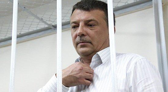 ФСБ установила «жучок» всамовар генерала Следственного комитета