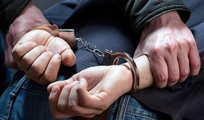 26-летний иркутянин задержан за нападение на продавца торгового павильона