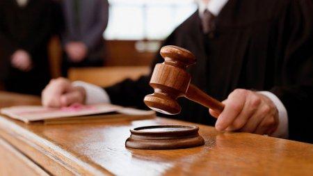 В Тайшете за должностные преступления осужден бывший начальник Управления строительства