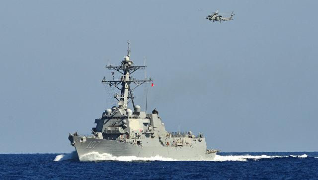 Эсминец ВМС США вновь обстреляли уберегов Йемена