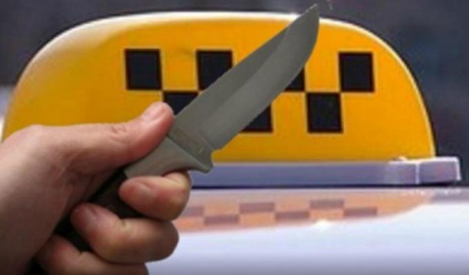В Ангарске двое мужчин напали с ножом на водителя такси
