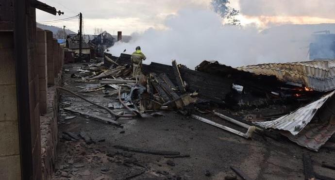 ВЛиствянке горел гостиничный комплекс