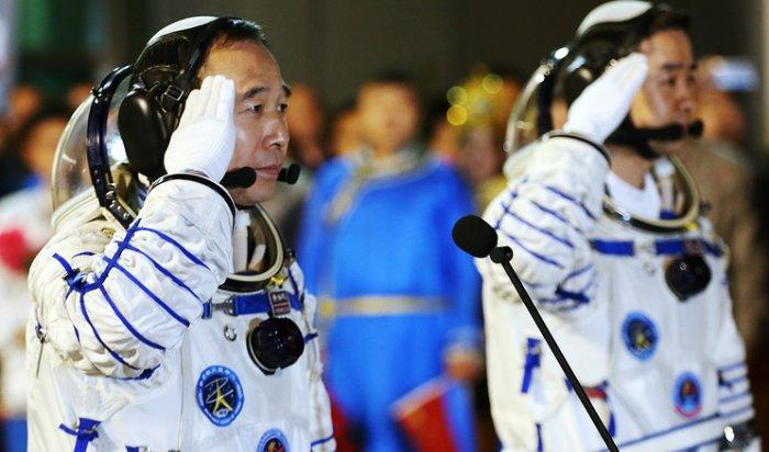 Китай запустил вкосмос пилотируемый корабль «Шэньчжоу-11»