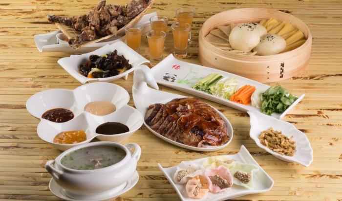 «Утку по-пекински» презентовали в иркутском ресторане «Китайский Иероглиф»