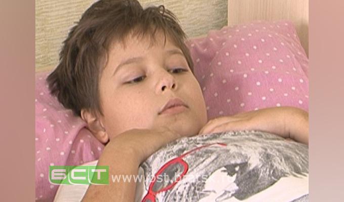 Школьнику из Братска, парализованному после удара качелями, требуется   дорогостоящее лечение