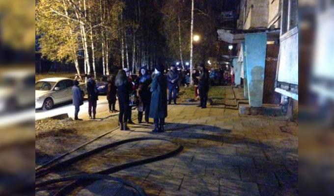 В Иркутске при пожаре в доме на улице Маршала Жукова спасены 20 человек